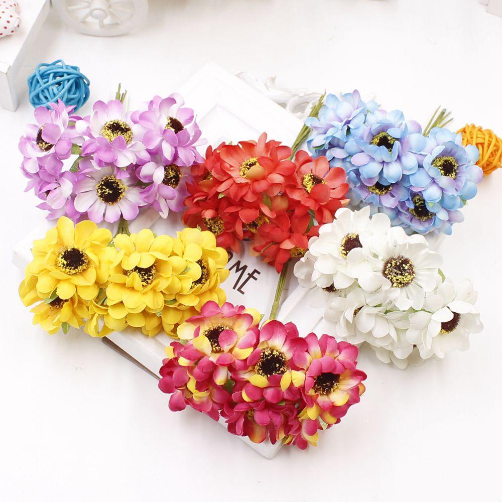 Umělé květi do věnce